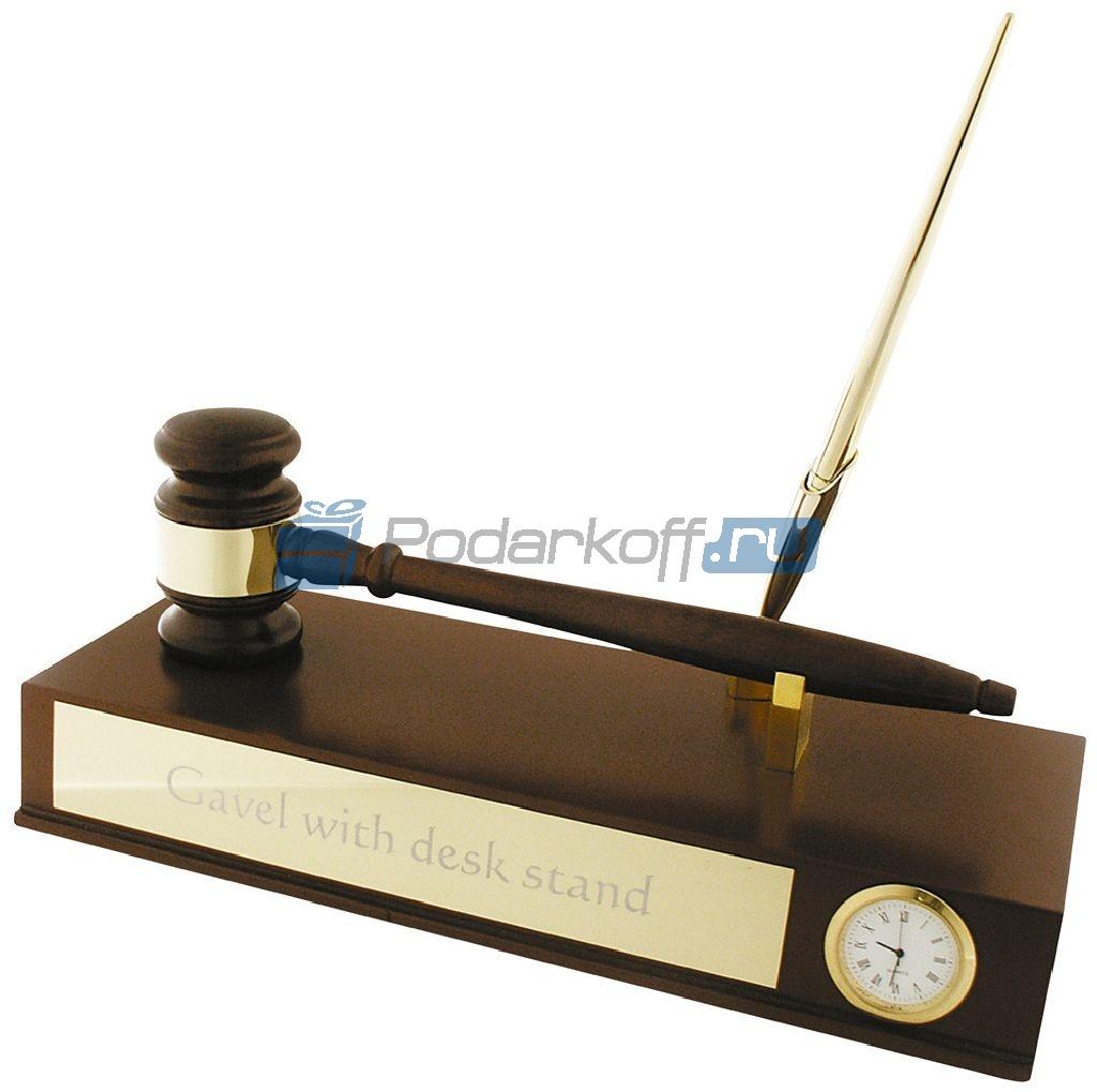 """Настольный прибор """"Босс"""" с """"молотком"""" для совещаний, часами и ручкой."""