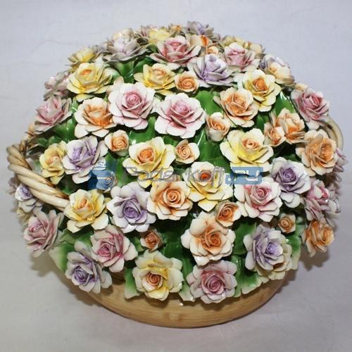 Декоративная корзина с разноцветными розами, фарфор - 1